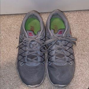 Nike gently used sneakers